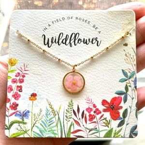 🌸 Francesca's Pink Wildflower Gold Necklace 🌸